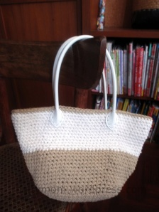 diy crochet bag with pleather handle