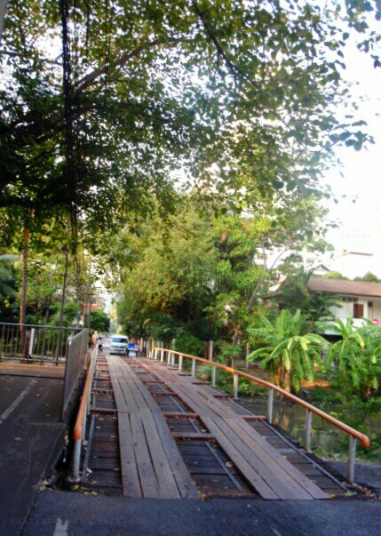 lumpini elevated bike path6