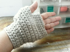 diy crochet bicycle gloves2