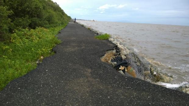 bangsaen2 seaside road