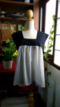 yoke sleeveless top 2