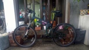 diy recycled denim paratrooper bike frame cover