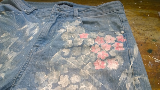 diy painted jeans cherry blossom sakura 1