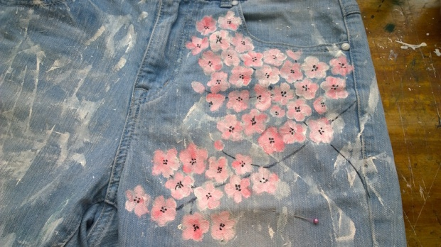 diy painted jeans cherry blossom sakura splattered