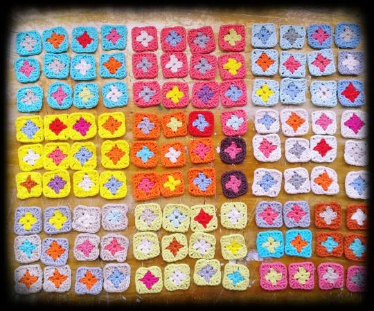 2 crochet granny squares configuration